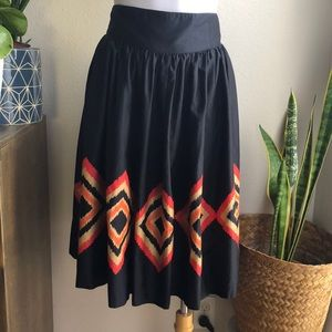 NINE WEST IKAT Black Skirt Sz 10